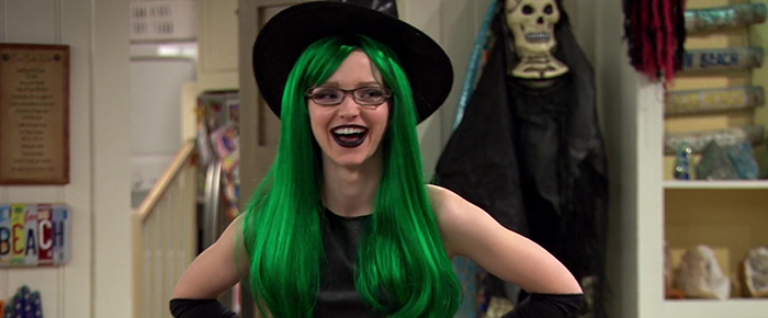 """[Gallery] Liv & Maddie – 4×03 """"Scare-A-Rooney"""" Episode Captures."""