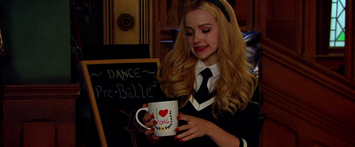 """[Gallery] Liv & Maddie Episode Captures: 4×04 """"Sing It Louder!!-A-Rooney""""."""